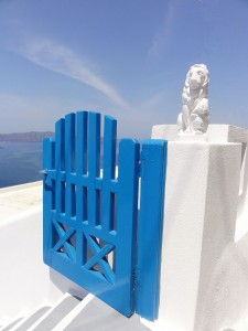 28 Santorini blue
